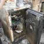 Lemari Besi Terbakar di Pasar Johar Semarang